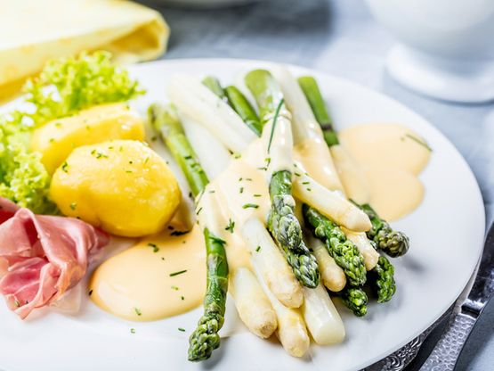 Opening of the German asparagus season